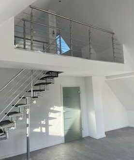 Sanierte Mezzaine Wohnung mit Balkon und EBK in Altbach
