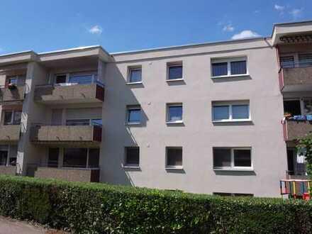 Hemmingen - 3-Zimmer-ETW im EG/Hochparterre mit Süd-Balkon und Garagenstellplatz.