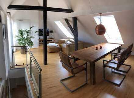 Exklusive, neuwertige 4-Zimmer-Maisonette-Wohnung mit Balkon und Einbauküche im Dichterviertel