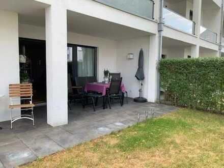 Exklusive, neuwertige 4-Zimmer-EG-Wohnung mit Terrasse, 60m2 eigenem Garten und EBK