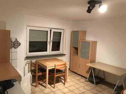 Möbliertes, ruhiges Zimmer mit Bad direkt an den Weinbergen mit EBK in Dossenheim