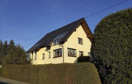 Einfamilienhaus mit Inneneinrichtung in gehobener Ausstattung, 190 qm Wohnfläche und 857qm Grund.
