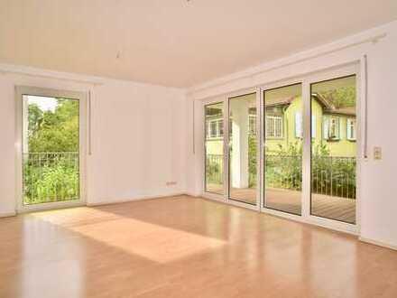 Moderne, vollständig renovierte 2-Zimmer-Wohnung mit Balkon und Einbauküche in Wiesbaden