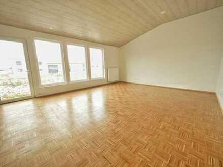 37 qm Raum für gewerbliche Nutzung zu vermieten, Mitbenutzung von Küche und WC