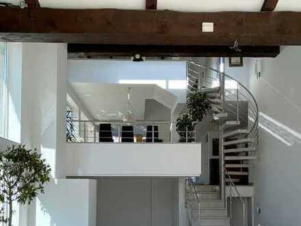 Lichtdurchflutete Architektenvilla mit Luxus Ausstattung in naturnaher ruhiger Wohnlage!