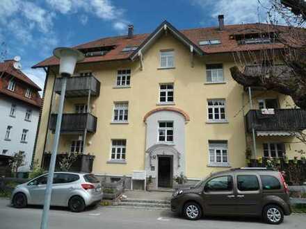 Ruhige und schöne 3 Zimmer Wohnung