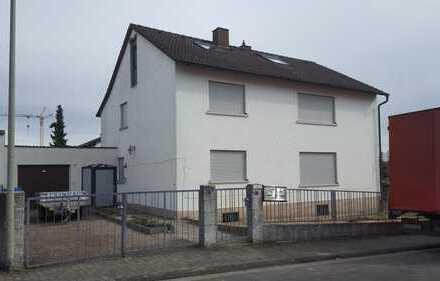 Neuwertige 2-Zimmer-Dachgeschosswohnung mit Balkon in Kahl am Main