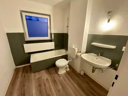 FRISCH RENOVIERT! 2-Zimmer-Wohnung mit Balkon in Zollernalbkreis