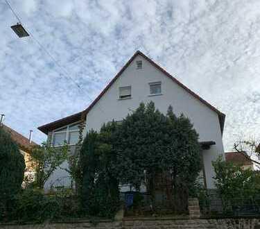 Modernisierte Wohnung mit drei Zimmern und EBK in Heilbronn