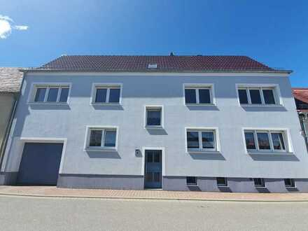 Modernisierte Wohnung mit vier Zimmern und Balkon in Wittichenau/Sachsen