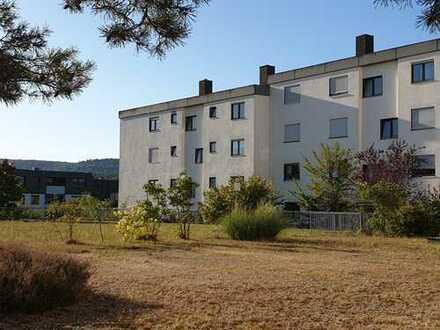 Vollständig renovierte 4-Zimmer-Wohnung mit Balkon und Einbauküche in Kaiserslautern