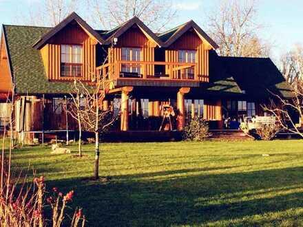 Traumhaftes Holzhaus zwischen Badesee und Wald! Provisionsfrei