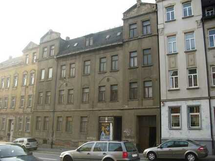 Chemnitz: Empty building! But very badly in need of renovation
