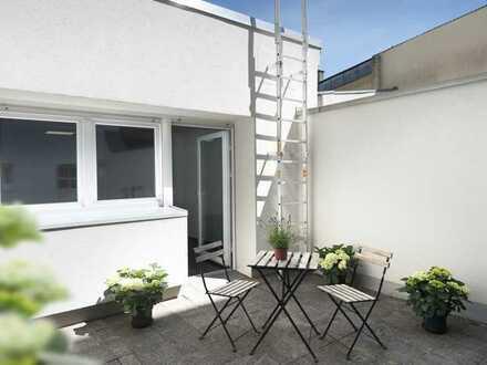 Ruhig und mittendrin: Apartment mit Innenhofterrasse Nähe Kö/Graf-Adolf-Str.