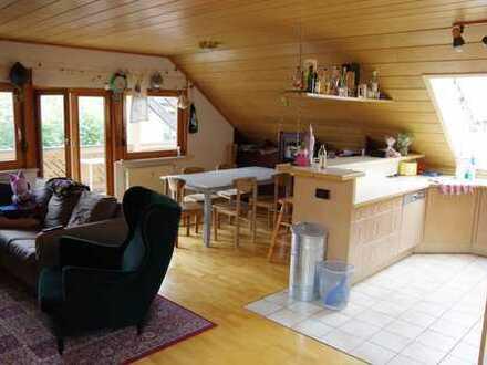 Schöne, großzügige drei Zimmer Dachwohnung in Gärtringen (Kreis Böblingen)