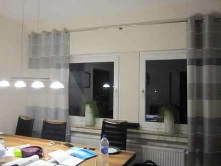 schöne, renovierte Wohnung mit Loggia - provisionsfrei