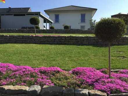 Einfamilienhaus mit großem Grundstück in ruhiger Lage