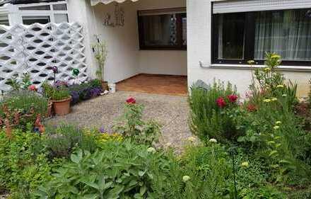Hübsche 3,5 Zimmerwohnung im Grünen mit übergroßer Garage