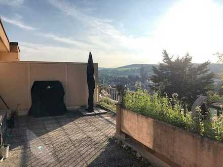 Neuwertige 3,5-Zimmer-Penthouse-Wohnung mit Dachterrasse und EBK in Weil der Stadt
