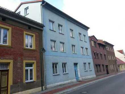 2 Raum Wohnung mit Balkon mit Burg-Blick und Gartennutzung