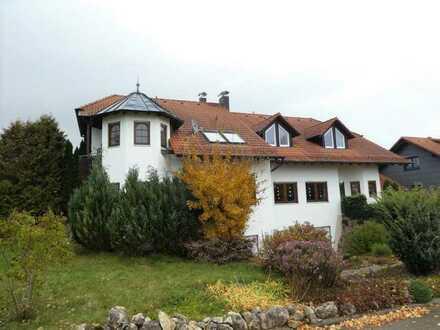 3,5-Zimmer-Dachgeschoss-Wohnung in ruhiger und naturnaher Wohnlage