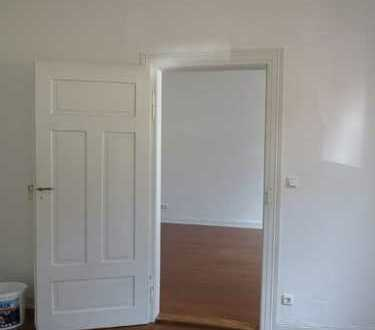Sie träumen von einer stilvollen Wohnung im saniertem Altbau? Dann könnte das Ihre Wohnung sein!
