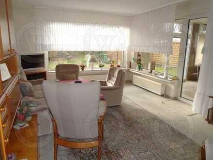 Schicker, massiv erbauter Bungalow mit sonnigem Garten und Garage!