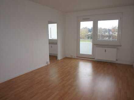 Einziehen und Wohlfühlen - großer Wohn- und Schlafbereich - XXL Balkon -Badewanne!!