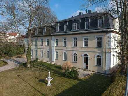 Traumwohnung in einer ansprechenden Villa mit Kaminofen