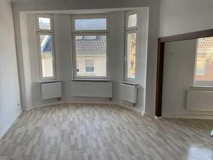 Helle, renovierte 2-Zimmer-Wohnung in Weidenpesch, Köln