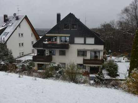 Helle, gepflegte 3,5-Zimmer-Wohnung mit Terrasse, Gartennutzung und Küche in Stuttgart Kaltental