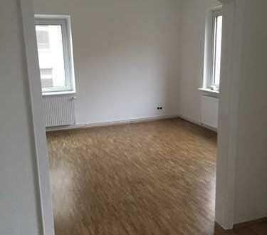 Erstbezug nach Sanierung mit Balkon: attraktive 2,5-Zimmer-Wohnung