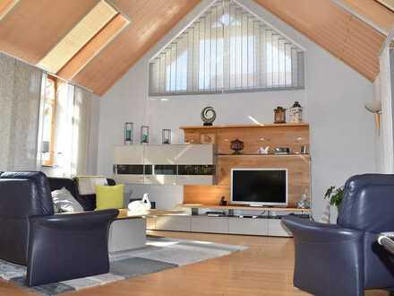 ** Schöner Wohnen – Traumhaftes Ein - Zweifamilienhaus in Top Wohnlage **