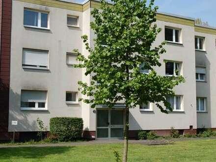 Helle, renovierte 2-Zimmerwohnung mit Balkon im grünen Duisburg-Marxloh