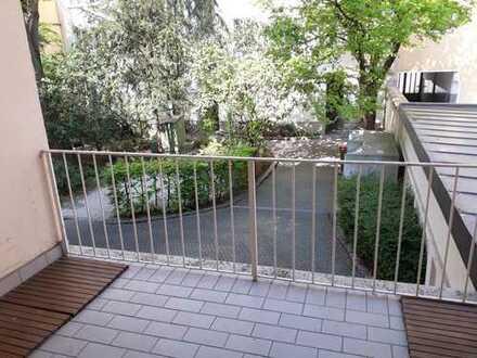 ++ MAXVORSTADT im RÜCKGEBÄUDE ++ Gepflegte, ruhige 2-Zimmer-Wohnung mit Balkon und Einbauküche ++