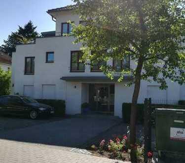 Helle Erdgeschosswohnung mit vier Zimmern und Gartennutzung für eine Familie