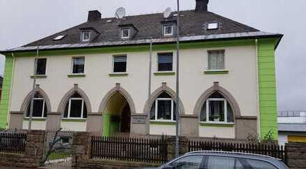 Freundliches und gepflegtes Mehfamilienhaus in Hofer Straße, Münchberg