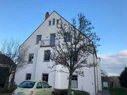 * gemütliche 3-Zimmer-Wohnung im Schönfelder Hochland mit Balkon *