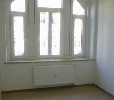Plauen-Westend - kleine 3 Zimmer-Wohnung mit Balkon!