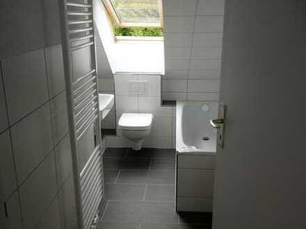 neuwertige 3-Zimmer-Wohnung (DG) in ruhiger Lage