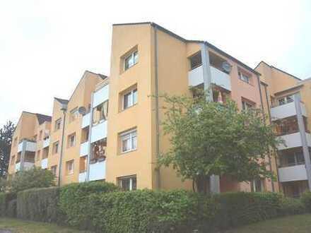 Überschaubare Wohnanlage & Sofortbezug möglich! Schöne 3 Zi-Wohnung mit Terrasse und TG-Stellplatz