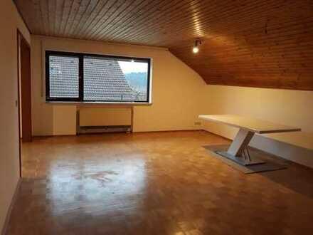 helle, vollständig renovierte 92 m², 3,5 Zimmer Wohnung in ruhiger Lage