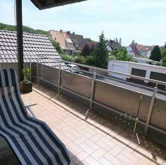 Helle und großzügige Maisonette-Wohnung mit Gartenanteil und Garage
