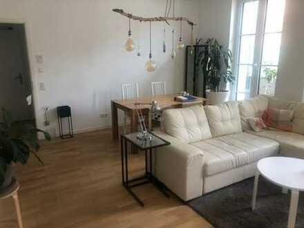 Tolle, geräumige drei Zimmer Wohnung in Düsseldorf, Stadtmitte