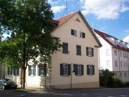 Mitten im Zentrum - heimelige Dachgeschoßwohnung mit Stil
