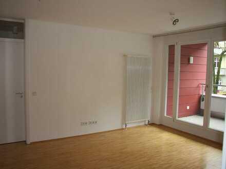 Gepflegte 2-Zi-Wohnung mit Balkon und EBK in KA-West