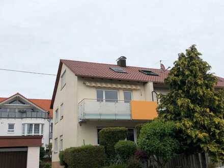 In Rutesheim: Zwei-Zimmer-Wohnung mit Balkon und Stellplatz