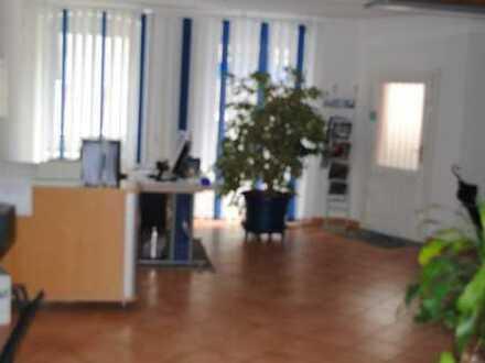Büro- bzw. Ladengeschäft mit 75m² im Zentrum zu verkaufen