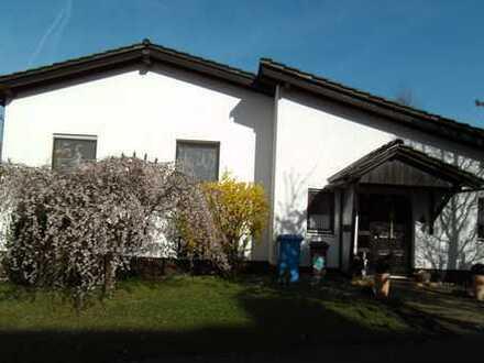 Schönes Einfamilienhaus mit großem, idyllischem Garten in ruhiger Lage von Breithardt