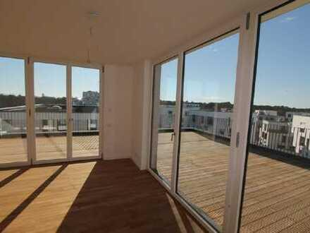FÜNF MORGEN: Weitläufige 2-Zimmer-Loftwohnung mit Dachterrasse im grünen Dahlem